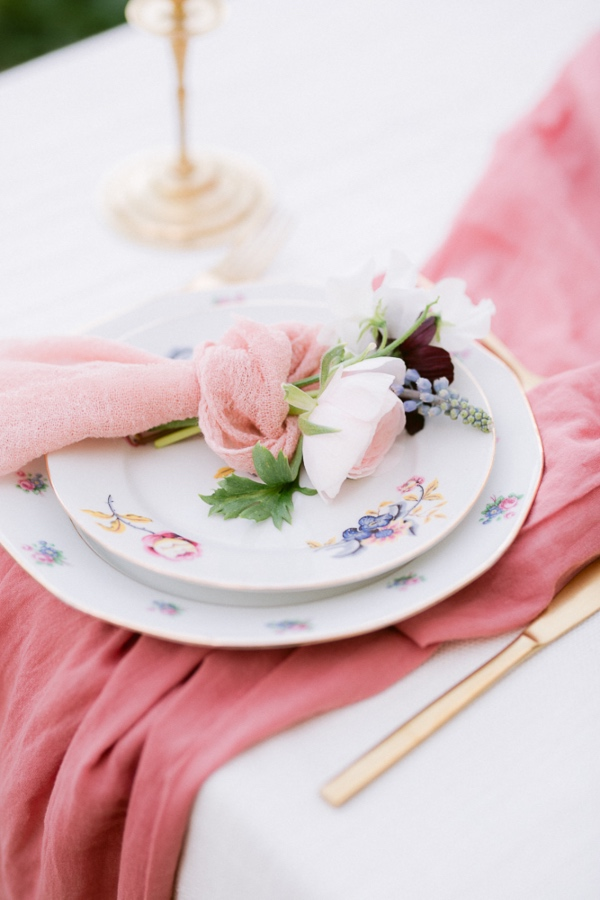 rose pink table runner