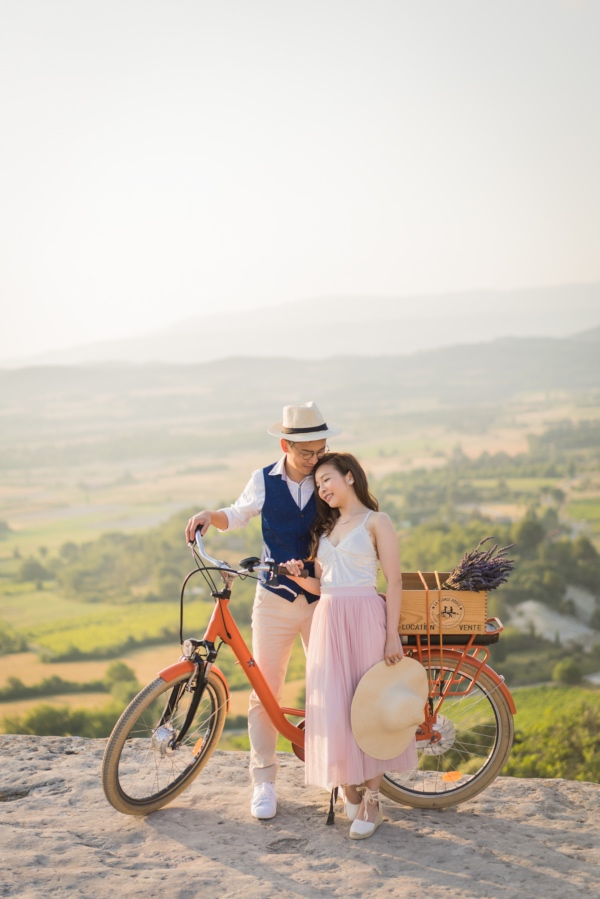 rustic french bicycle couple
