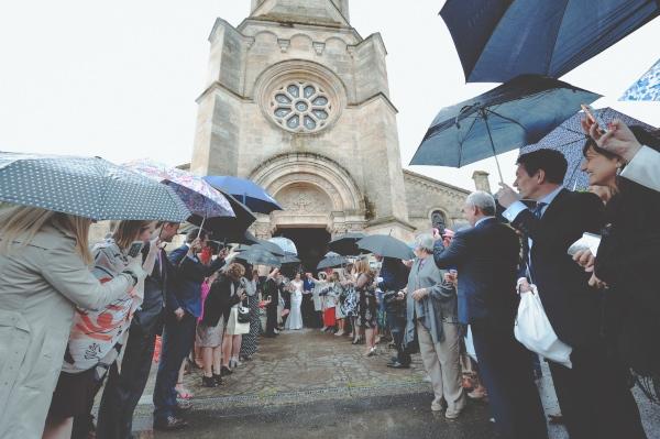 wedding france rain