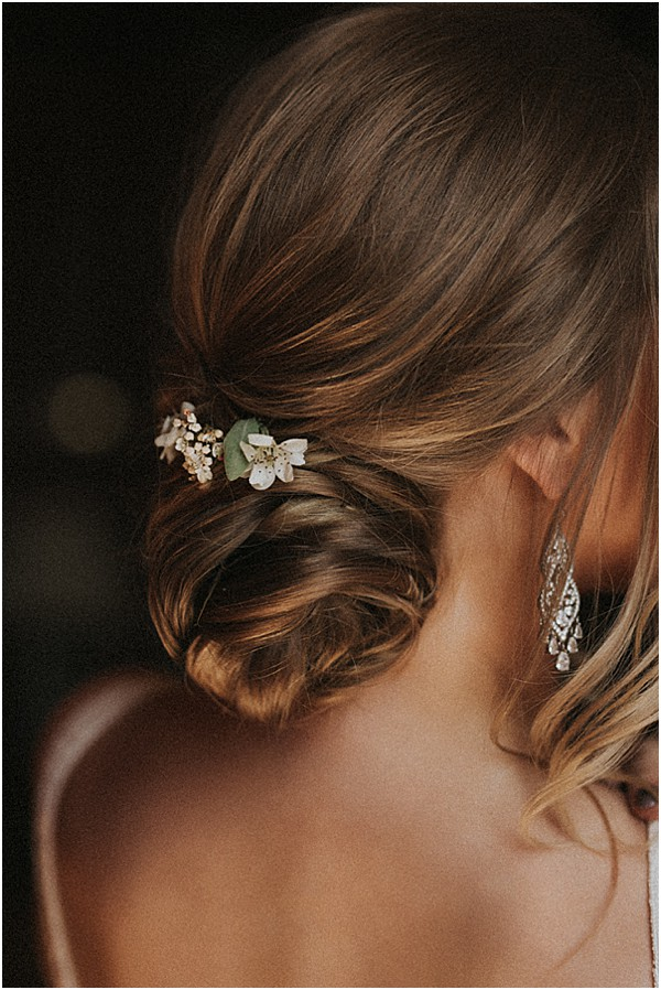 annette car bridal hair