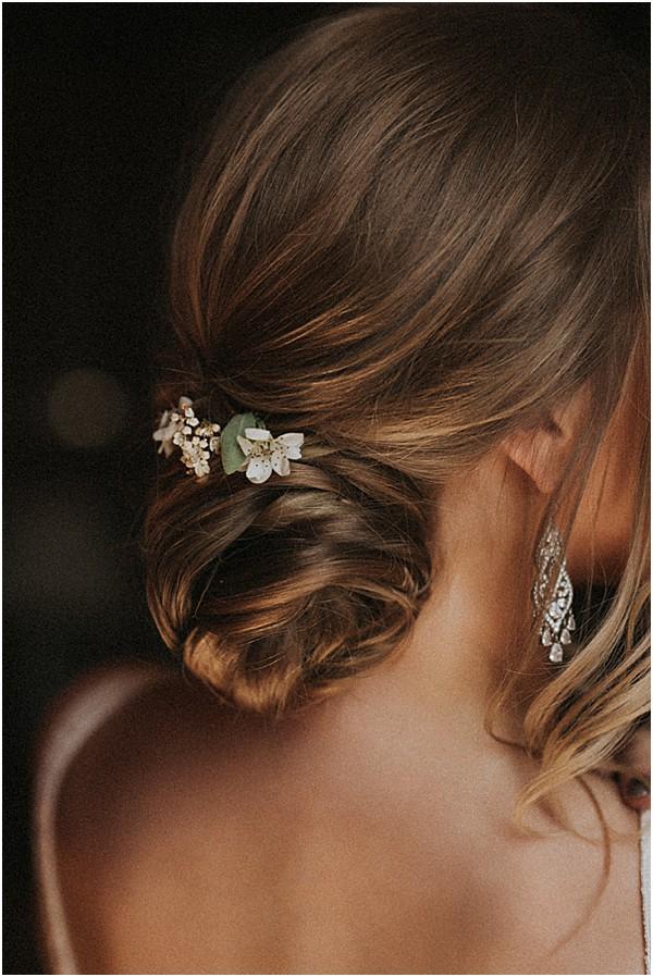 annette car bridal hair