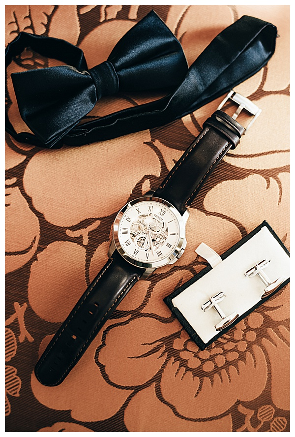 grooms details black tie and watch