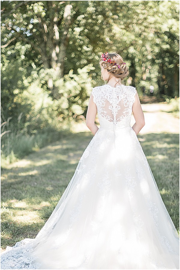 wedding gown back in lace