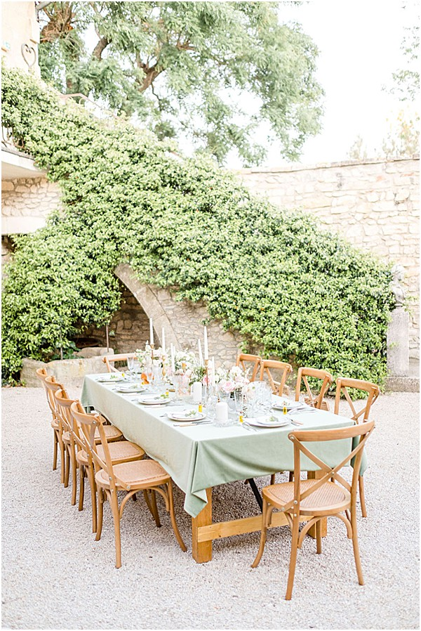 Pastel wedding at Mas des Comtes de Provence venue