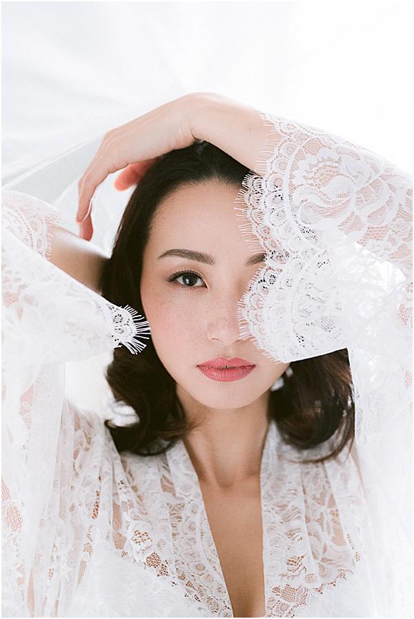 bride in lace robe