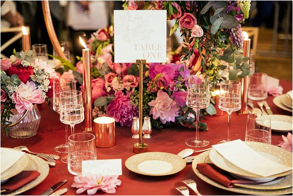 red romantic wedding linens and design