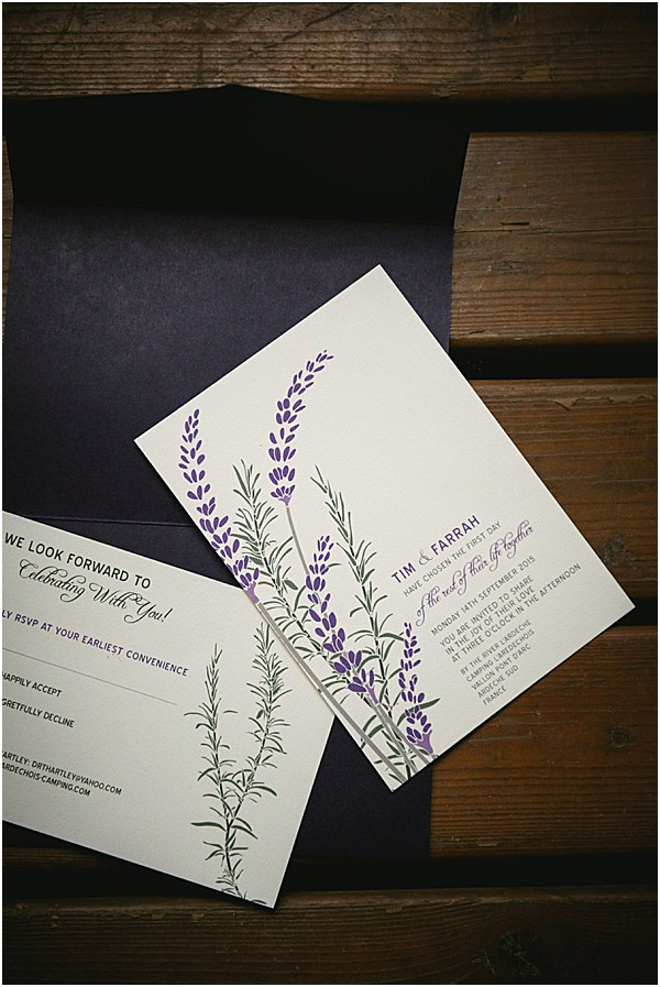 stationary with lavender accents | Image by Ambre Peyrotty