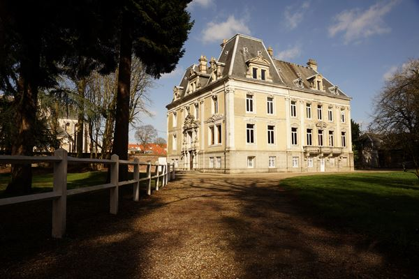 Chateau d'Hallines Wedding Venue in Calais