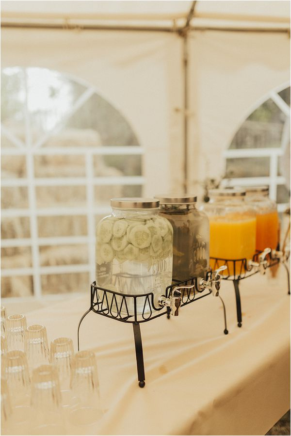 DIY rustic drinks dispensers for weddings by Matthias Toth Photography
