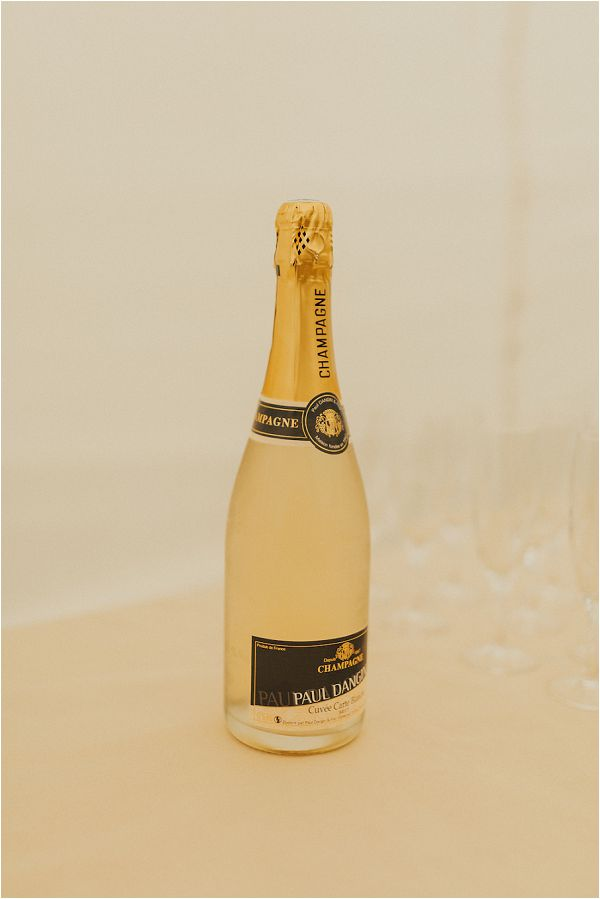 French Wedding Champagne | Image by Matthias Toth
