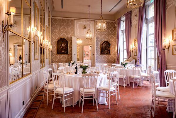 Hôtel de Caumont French Wedding Venue