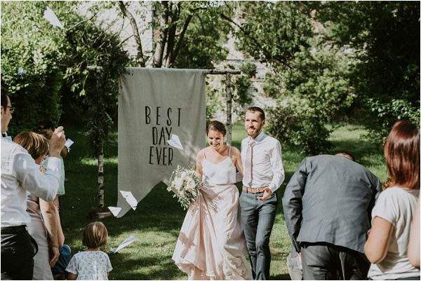 Kathryn Bass Bride outdoor wedding * Image by tub of jelly