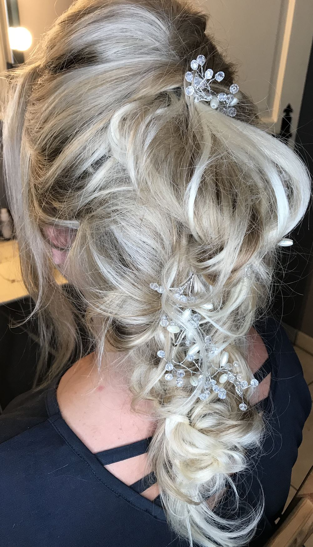 Lip Lash Curl Central France Wedding Hair and make Up