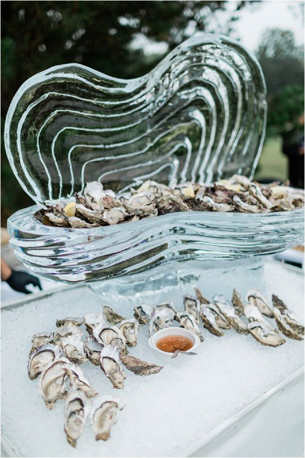 Oyster wedding catering * Image by Thomas Raboteur