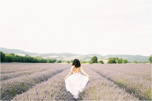 backless wedding dress in lavender fields | Image by Jeremie Hkb