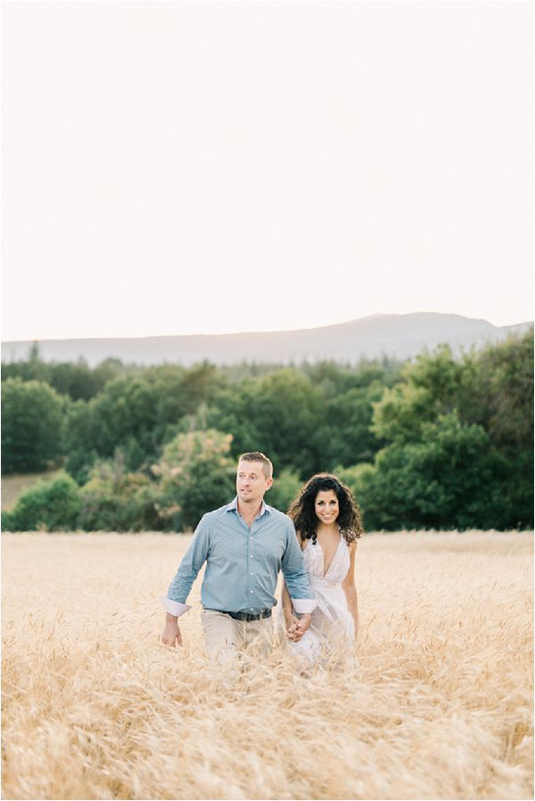 corn field engagement shoot | Image by Jeremie Hkb