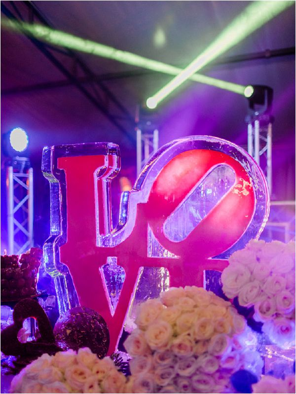 ice sculpture for weddings * Image by Thomas Raboteur