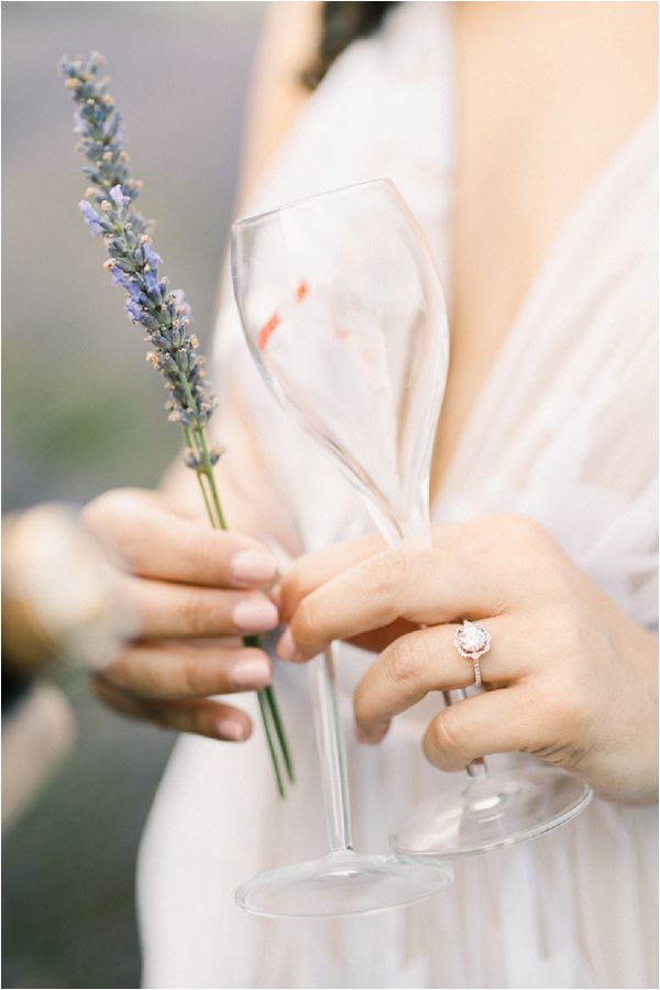 lavender and champagne | Image by Jeremie Hkb
