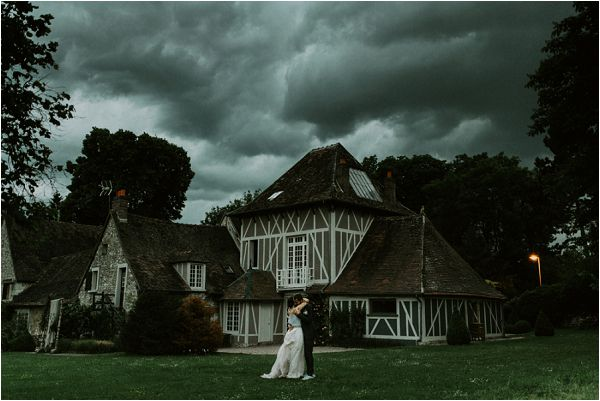 moody wedding photography * Image by tub of jelly