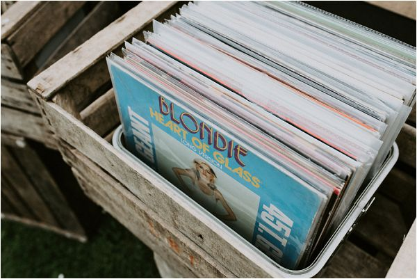 old albumns for weddings * Image by tub of jelly