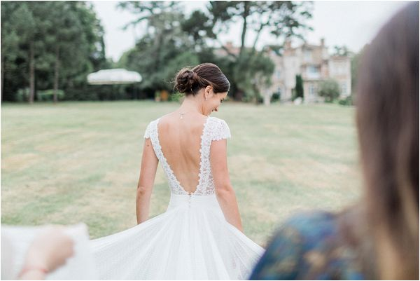 perfect Rosa Clara backless wedding dress * Image by Thomas Raboteur