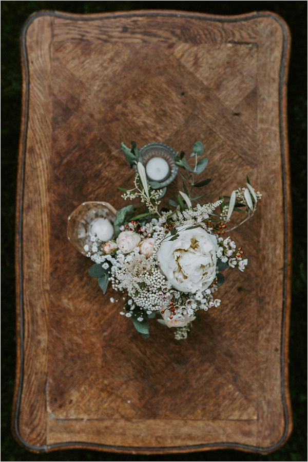 pretty French guest book * Image by tub of jelly