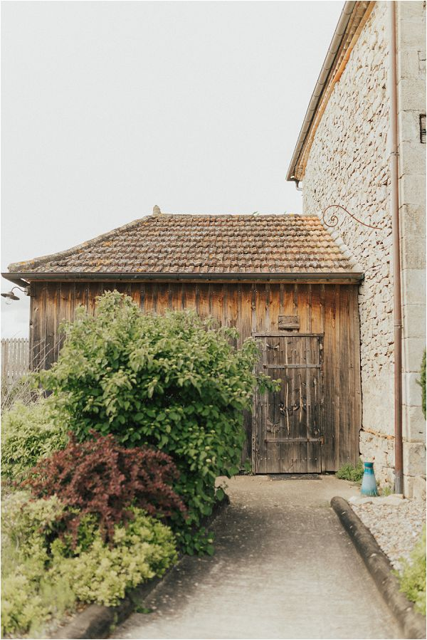 rustic wedding venue near Bordeaux by Matthias Toth Photography