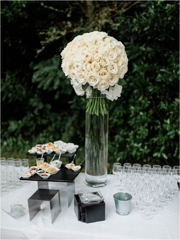 wedding flowers for catering table * Image by Thomas Raboteur