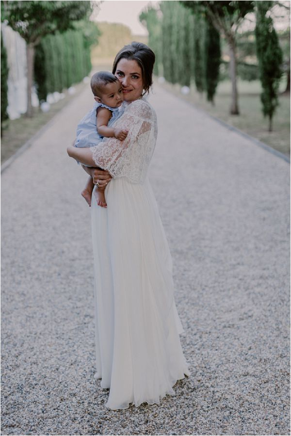 Bride and Baby | Image by Mélanie Mélot