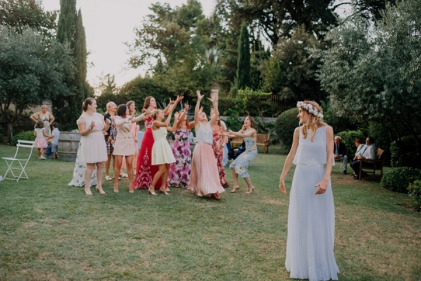 bridal bouquet toss tradition