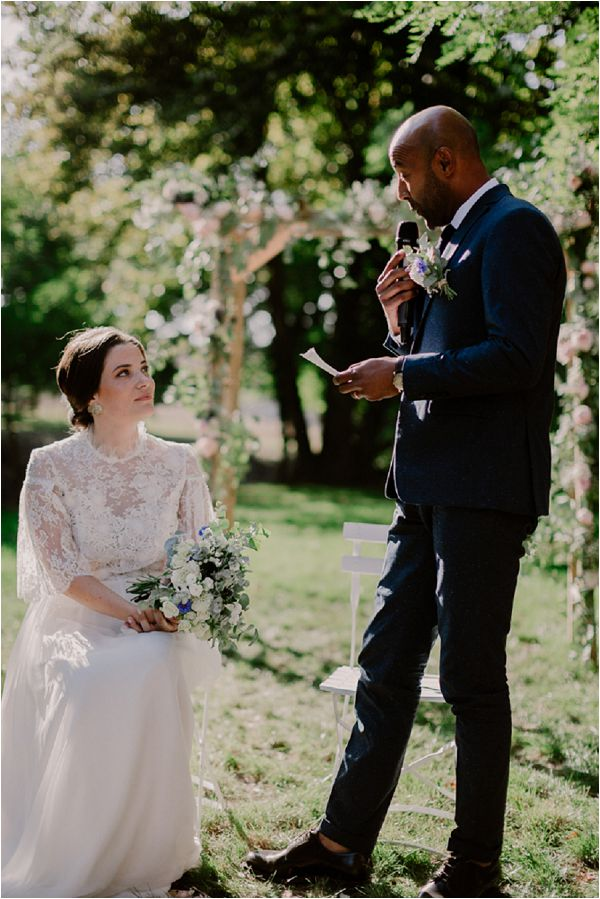 creating your own wedding vows | Image by Mélanie Mélot