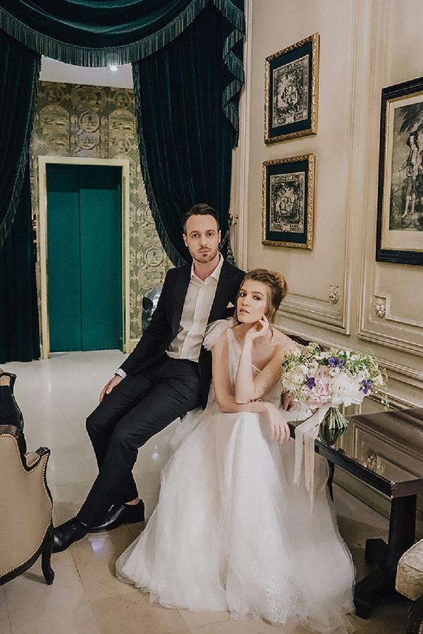 hotel paris couple shoot