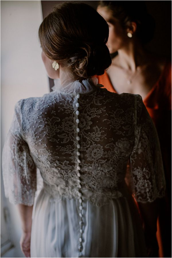lace French wedding dress | Image by Mélanie Mélot