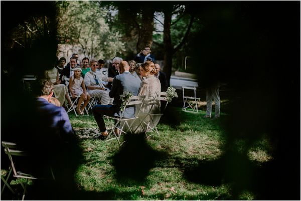 planning an outdoor wedding ceremony | Image by Mélanie Mélot