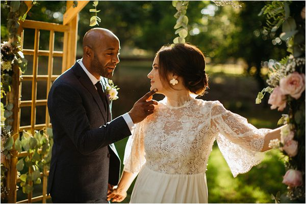 romantic French bridal style | Image by Mélanie Mélot