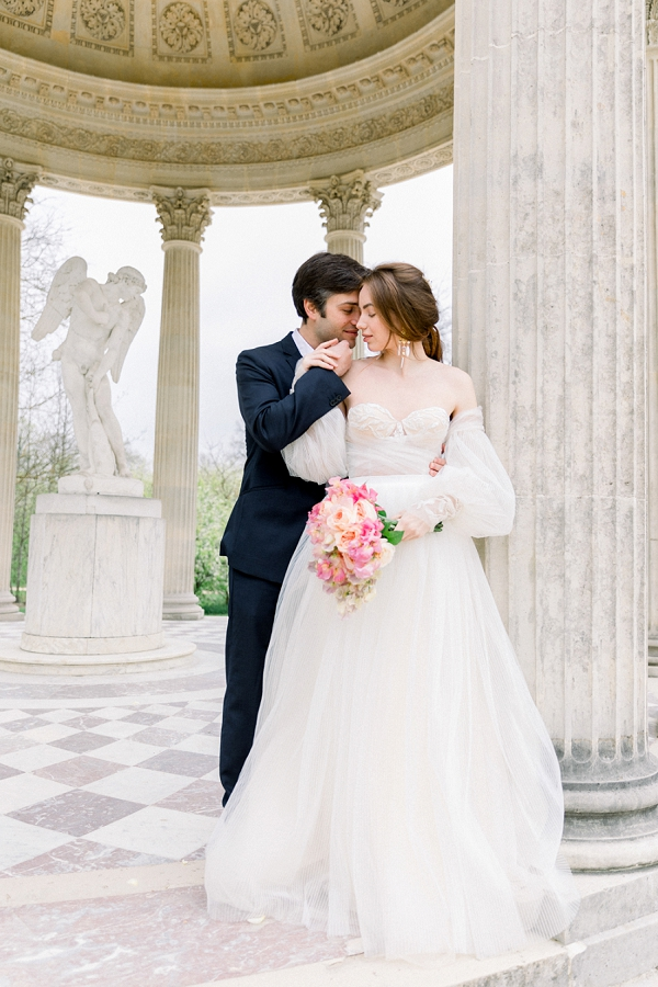 romantic paris wedding photos