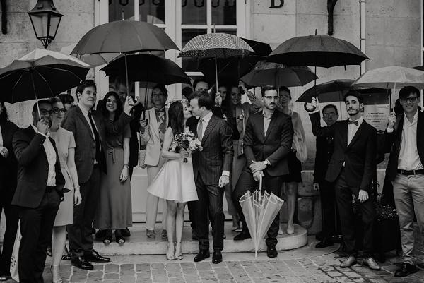 umbrella wedding photo