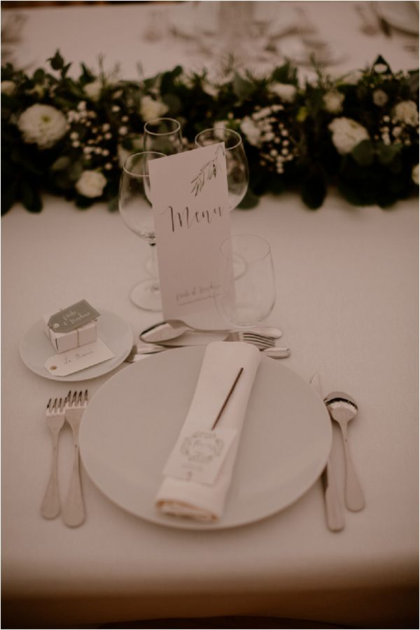 white wedding table setting | Image by Mélanie Mélot