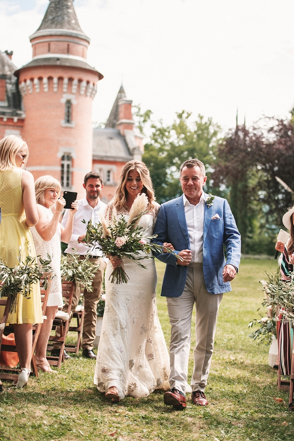 Outdoor ceremony Chateau St Michel