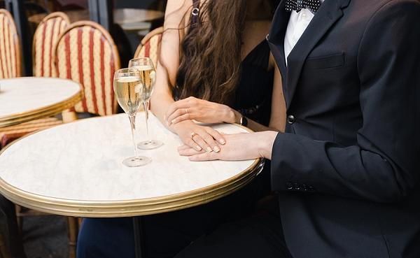 champagne in Paris