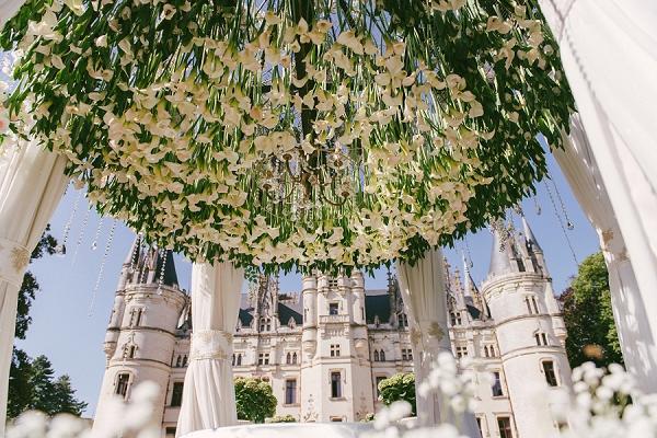chateau challain outdoor wedding