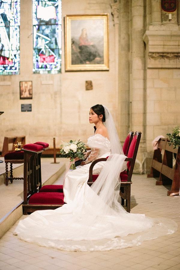 long train wedding gown
