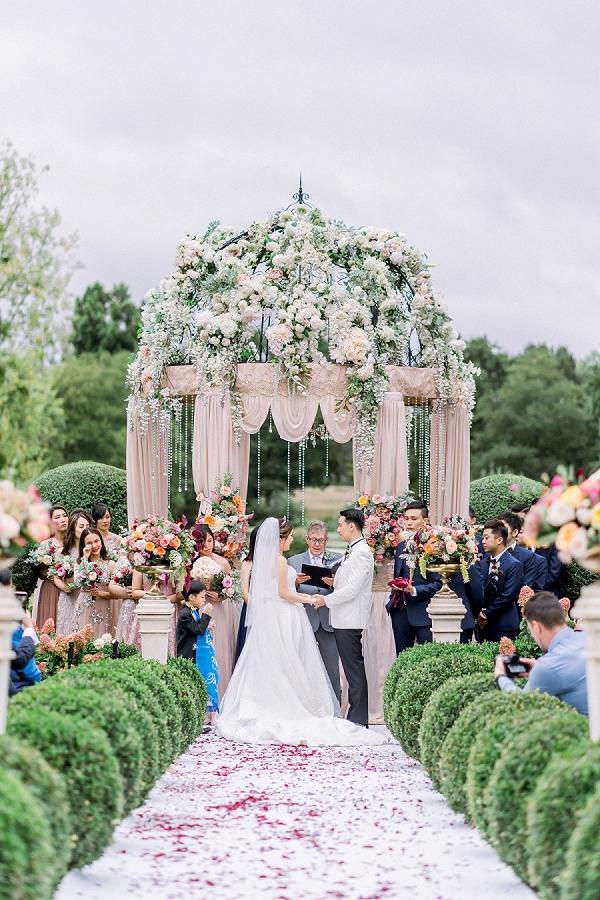 luxury outdoor wedding ceremony