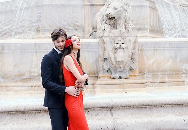 romantic Paris Destination Engagement