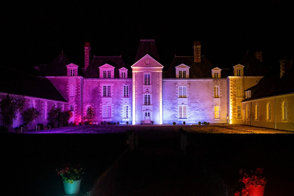 Château des Lys at night
