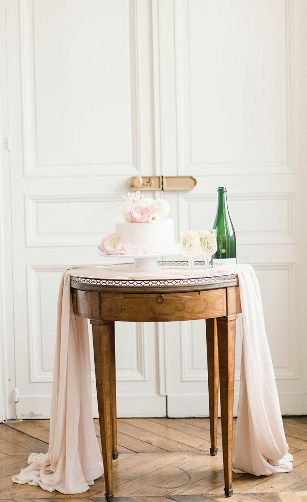 Chateau de Varennes wedding cake