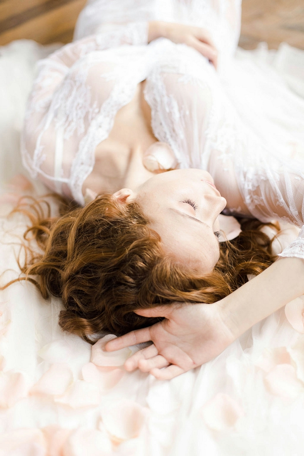boudoir wedding photos
