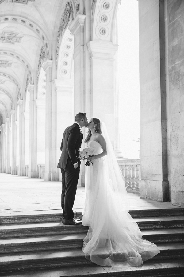 classic Paris wedding photo