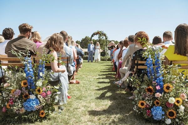 rustic countryside wedding flowers