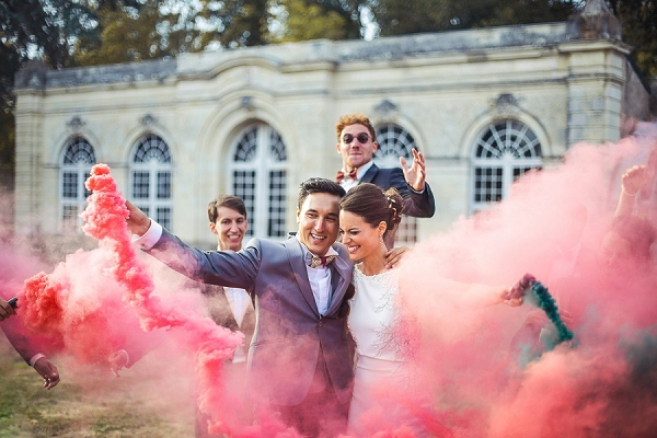 smoke bomb wedding photo ideas